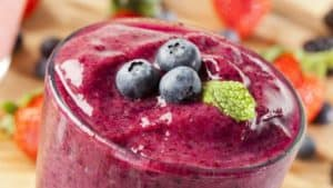 Superfood Smoothie with wild blueberries on top
